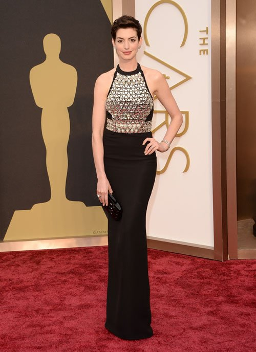 anne-hathaway--red-carpet-oscars-2014