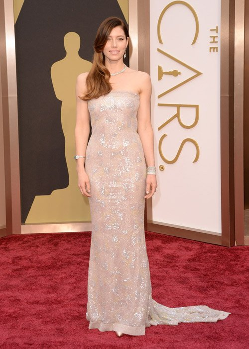 jessica-biel--red-carpet-oscars-2014