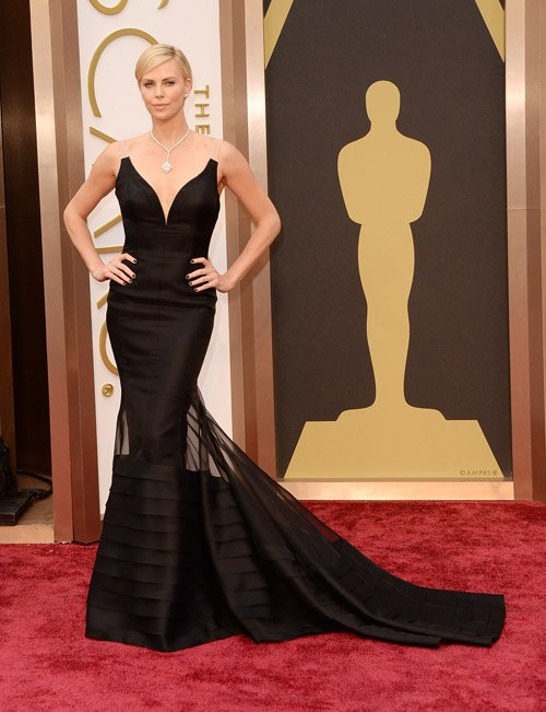 charlize-theron-red-carpet-oscars-2014