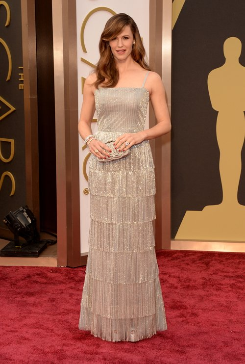 jennifer-garner-red-carpet-oscars-2014
