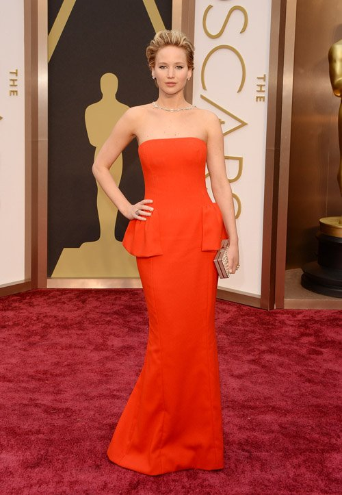 jennifer-lawrence-red-carpet-oscars-2014